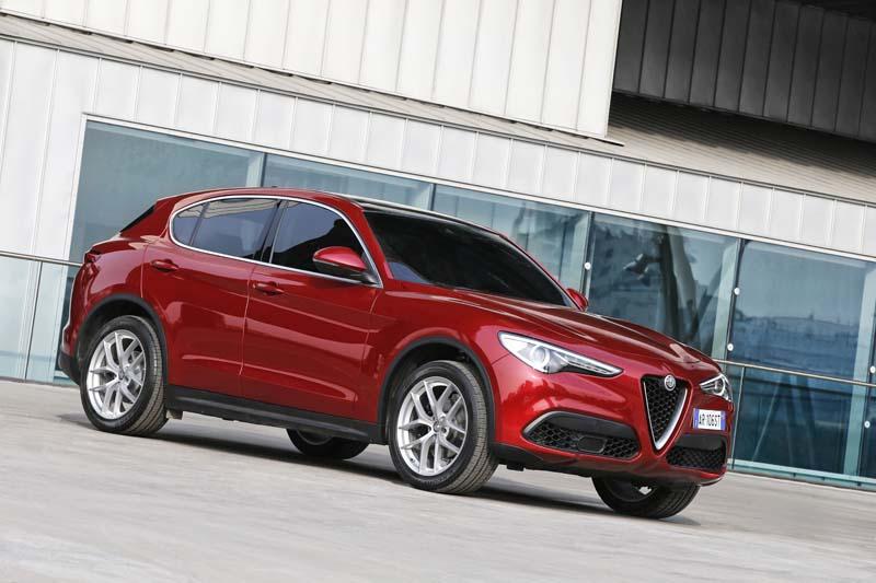 Alfa Romeo Stelvio - CARSERWIS